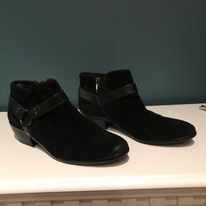 Sam Edelman ankle bootie black suede Phoenix  9